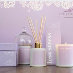 Eνυδατικό αρωματικό κερί με άρωμα λεβάντας- less stress wellbeing soya candle